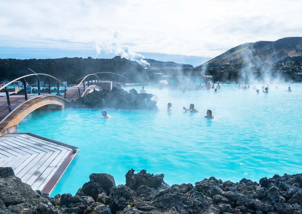 冰島不可錯過的景點之一,快來感受藍色潟湖的紓壓美肌功效。