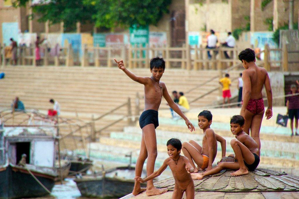 6108519220_286d21375c_b.jpg (혐) 인도인들의 성수 겐지스 강 실태.jpg