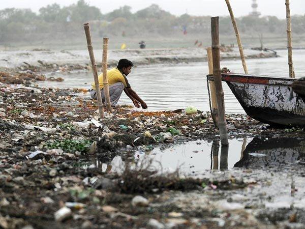 ganges-river-pollution-allahabad_44179_600x450.jpg (혐) 인도인들의 성수 겐지스 강 실태.jpg