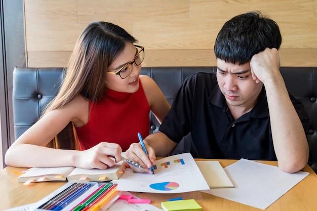 Resultado de imagen para parejas haciendo tarea