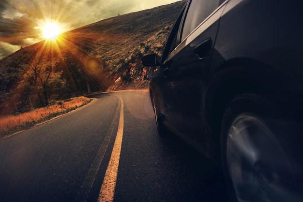Autopista de la carretera de verano Foto gratis