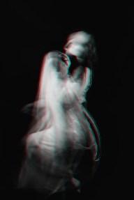 Retrato de una niña fantasma en un vestido   Foto Premium