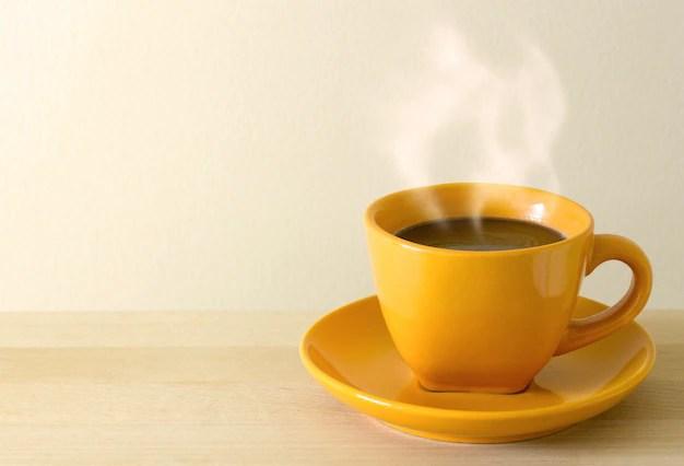 Copo de café na mesa