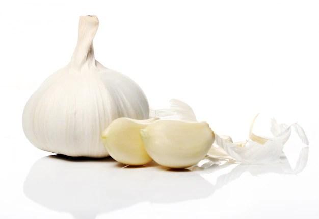 Close up of fresh garlic Free Photo