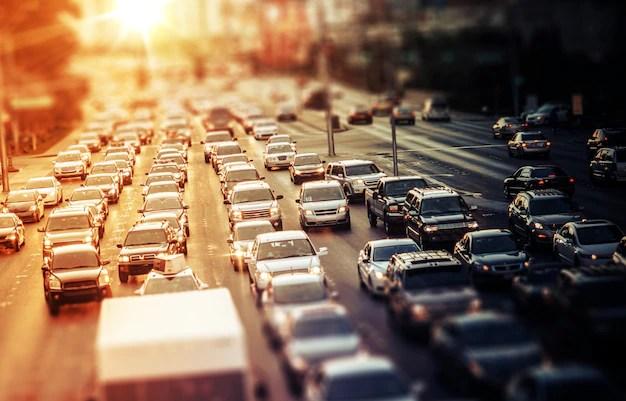 サンセットのハイウェイ交通 無料写真