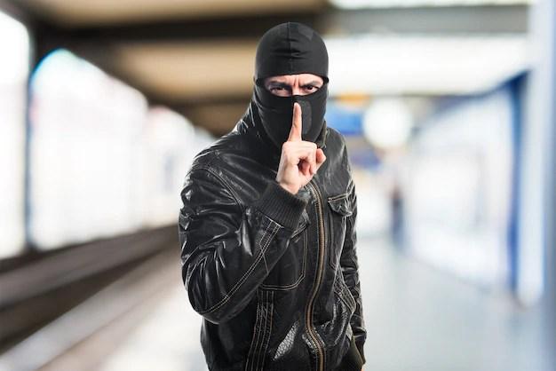 強盗のジェスチャー 無料写真