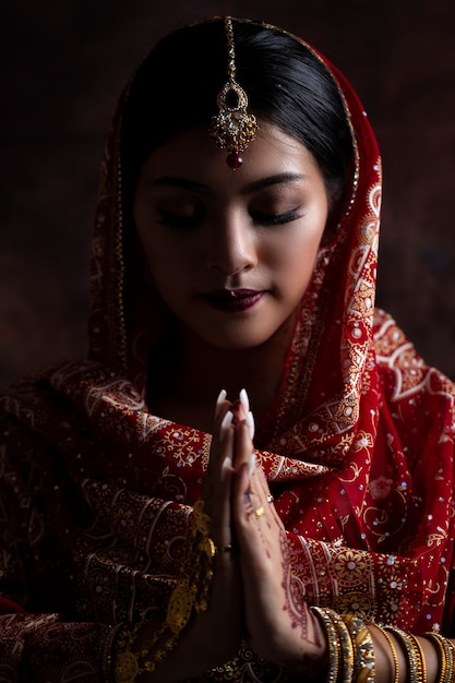 Portrait beautiful indian girl. young indian with ...