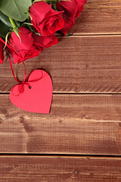 Red Heart And Roses On Wood Photo Free Download