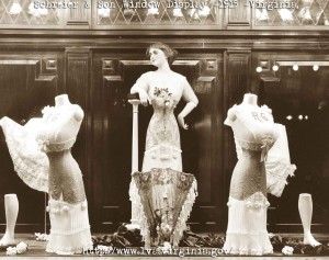 Schreier-&-Son-Window-Display---1915-dress-and-corset-fashions
