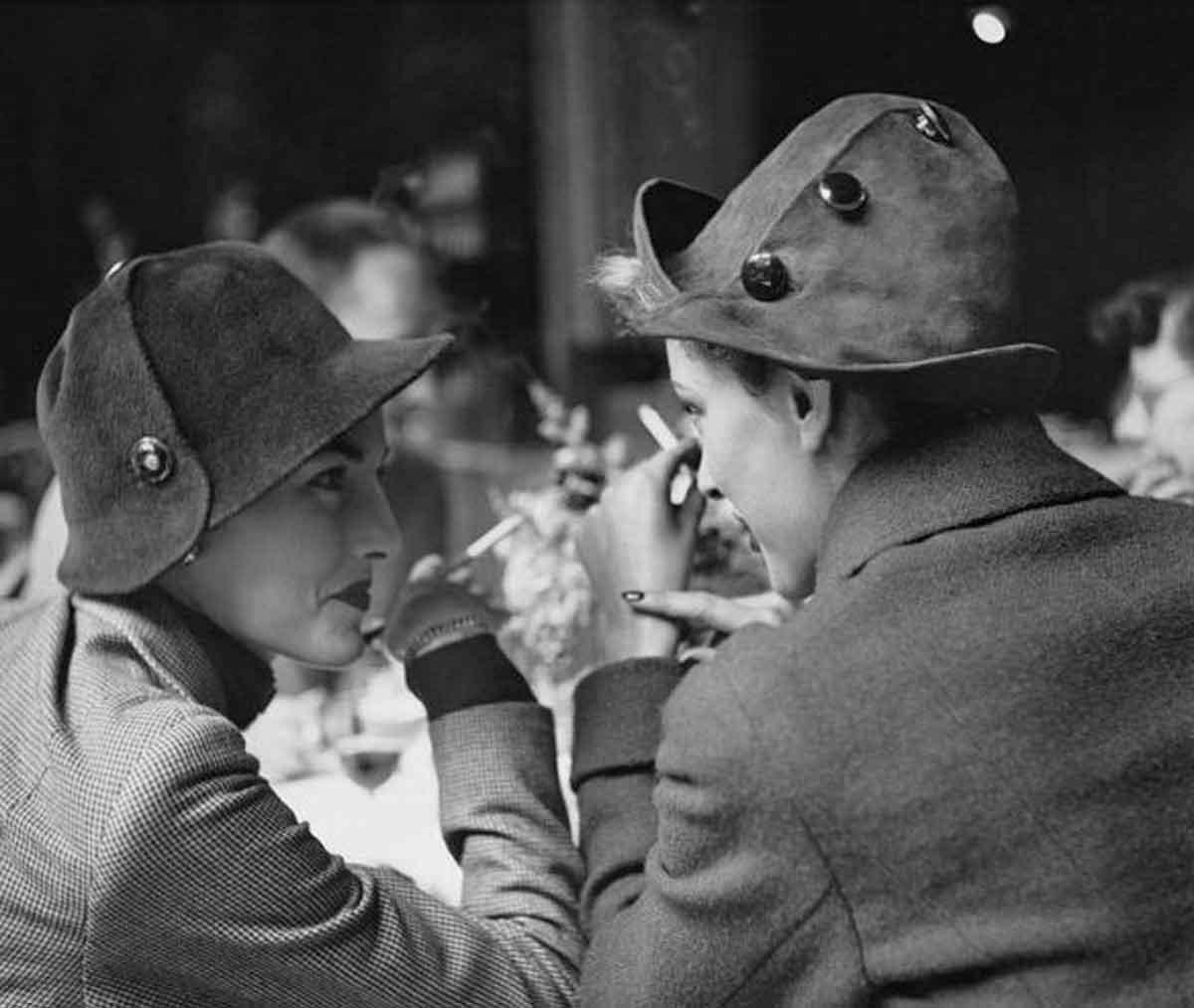 1948-Cafe-Flore,-Paris-Photograph-by-Richard-Avedon
