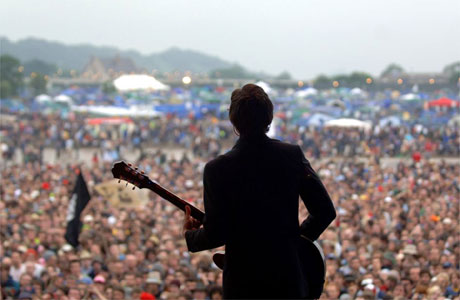 https://i1.wp.com/image.guardian.co.uk/sys-images/Arts/Arts_/Pictures/2007/04/05/glasto460.jpg