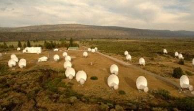 Jajaran Teleskop Radio di California