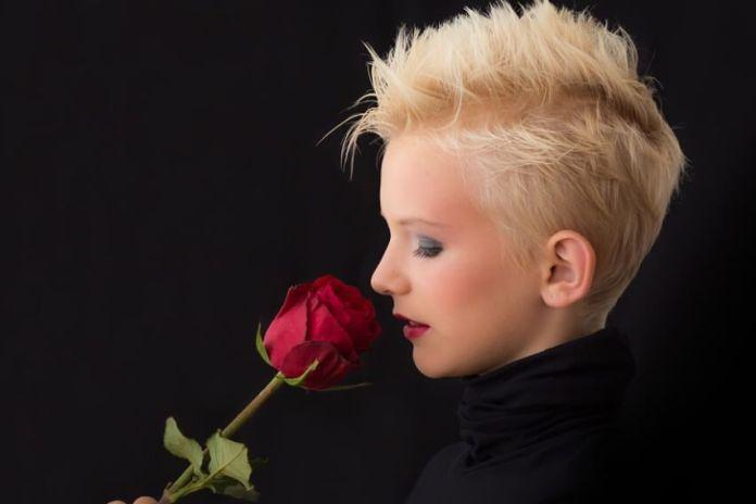 facial_wmon_with_rose face skin