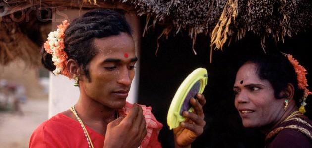 Komunitas Hijra di India. Mereka bukan Laki-laki dan juga bukan Perempuan