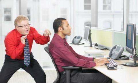 Error número 5: llevarte con compañeros de trabajo.