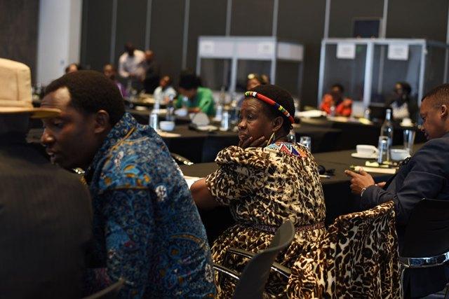 Líderes tradicionales de toda África dan un paso adelante contra el matrimonio infantil y la mutilación genital femenina