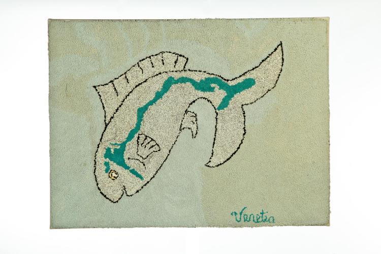 HOOKED RUG WITH FISH