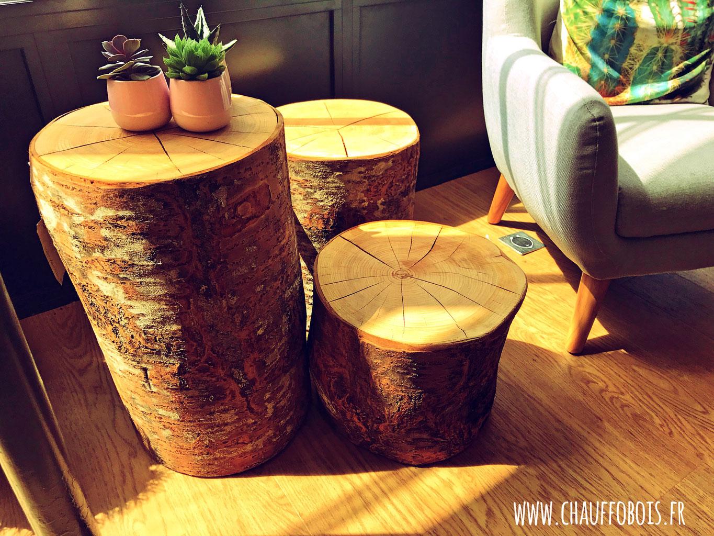 bout de canape cube de bois brut bois