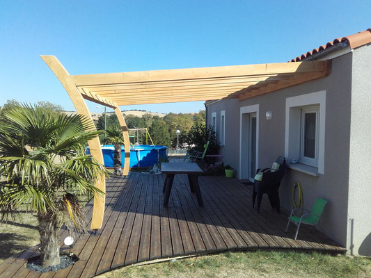 terrasse en bois et abris de jardin