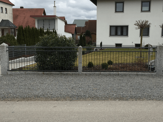 Zäune / Tore - martinkirchner94s Webseite!