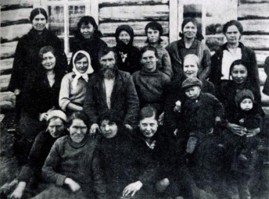 Огородная бригада колхозников-старообрядцев. Село Павловское. 1930-е гг.