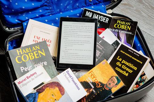 Avec une liseuse, on peut emporter toute une bibliothèque dans sa valise !