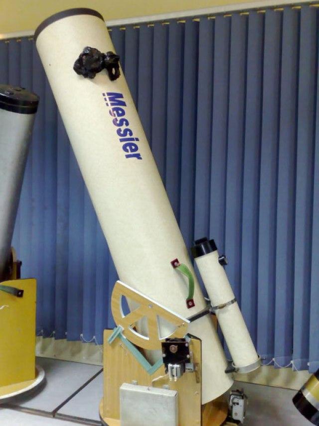 Kính thiên văn đường kính 250mm của HAAC