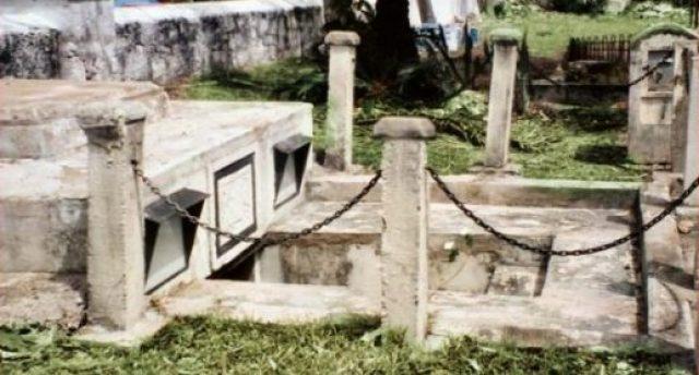 Hasil gambar untuk Ruang bawah tanah makam keluarga Chase