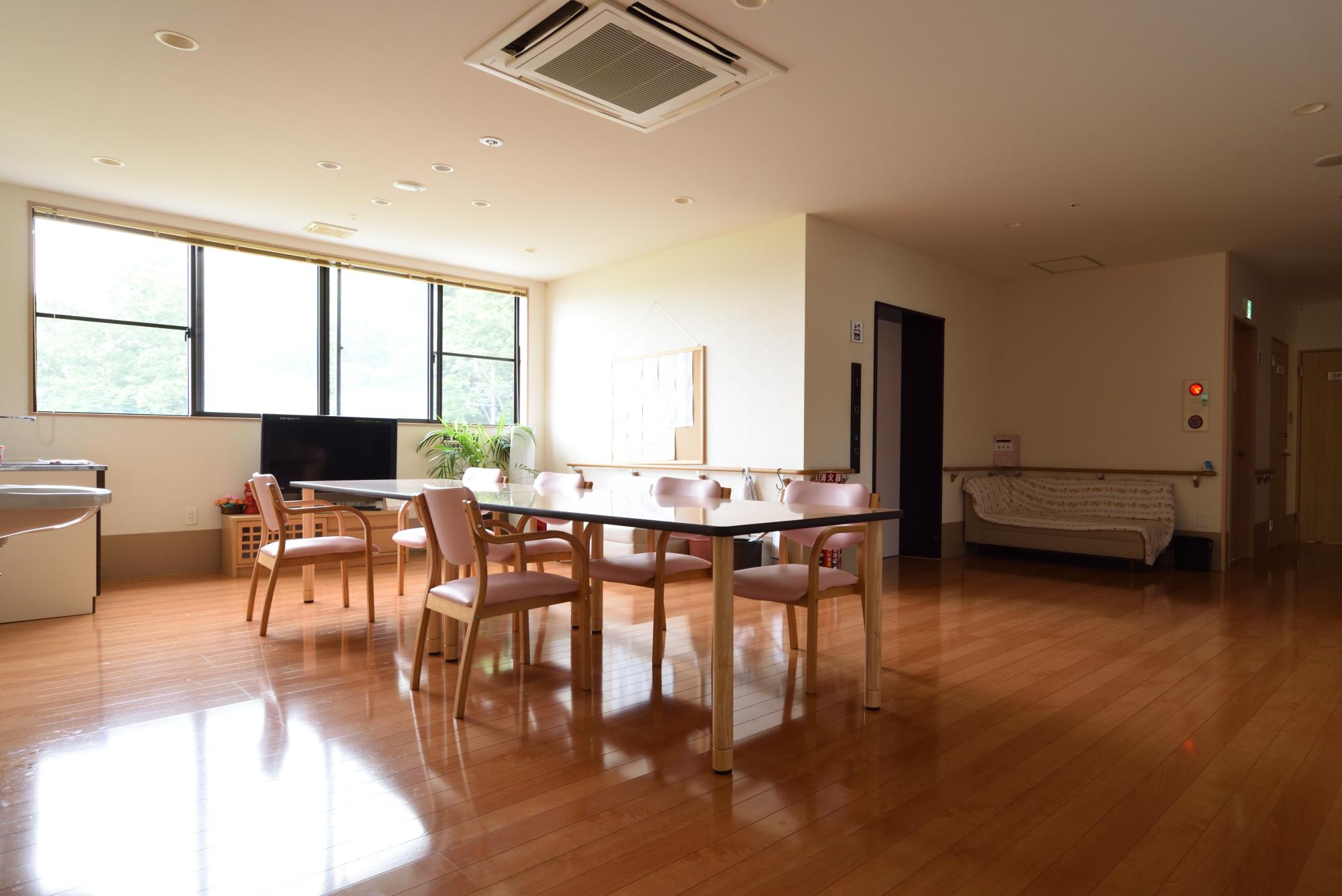 住宅型有料老人ホームの利用狀況 - NPO法人くらしと介護