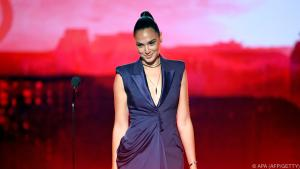 Gadot following in the footsteps of Elizabeth Taylor