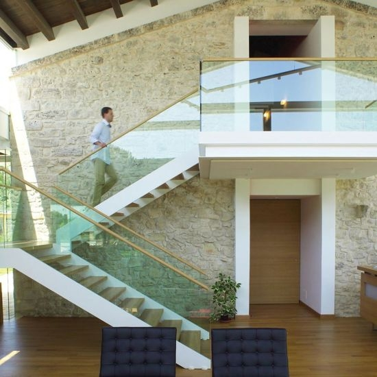 China Customized Glass Panel Handrail U Channel Stair Stringer | Glass Staircase Panels Near Me | Modern Staircase Railing | Tempered Glass | Wood | Stair Balustrade | Stair Case