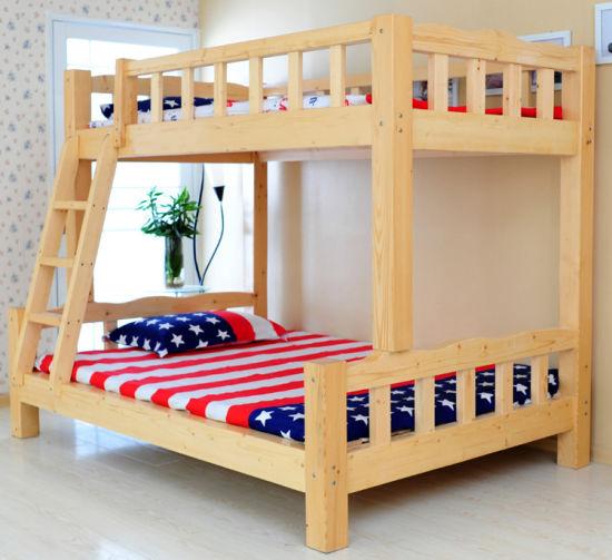 style simple en bois massif lit