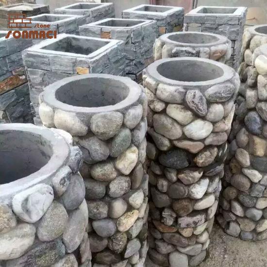 jardin pierre piliers de galets