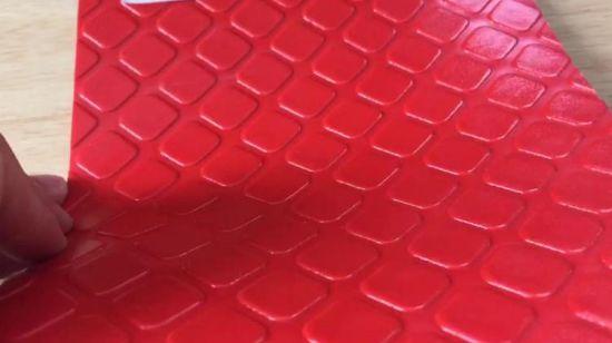 tapis de plastique en relief rouleau