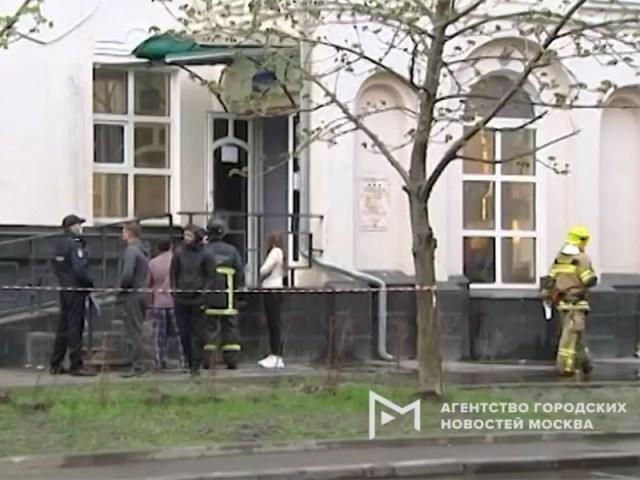 Два человека погибли при пожаре в столичной гостинице, которая раньше была отделением банка