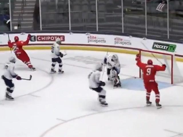 Юные российские хоккеисты стартовали на ЧМ сверхволевой победой над США