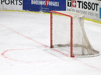 В швейцарском городе Биль сборная России по хоккею со счетом 1:3 уступила команде Швейцарии в матче Евровызова. Единственную шайбу в ворота хозяев льда забросил Евгений Тимкин (29'), у победителей отличились Киллиан Моттет (17'), Кристоф Берчи (51') и Инти Пестони (55')
