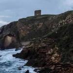 Playa de Santa Justa, una de las localizaciones de 'Puerto escondido', de María Oruña