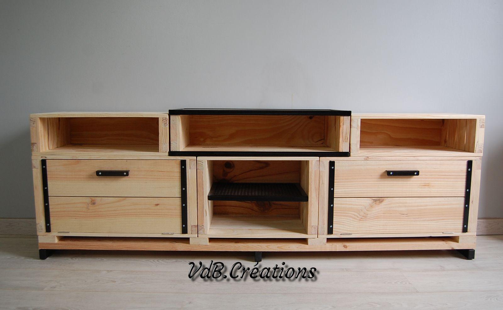 meubles divers en bois massif et