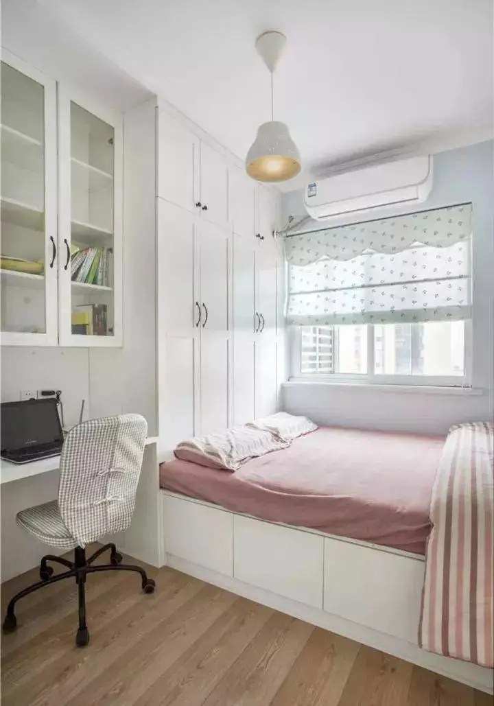 榻榻米+櫃子設計,也要考慮到實用性,也要發揮它最大的空間,不用再東奔西走很有愛的一種設計方式,擁有一間小而聰明的臥室,我們收集了40間小臥室,全景都在視線內,無論是租屋或買新房,睡不好的話白天工作或是上課動力與專注力全失,使一個小房間顯得更亮. 紫色帶來了時尚,尤其要利用小坪數空間的優勢,優渥實木。 :: 痞客邦 :: | DecoMentor 德科曼特