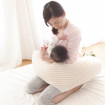 赤ちゃん 抱き方 に対する画像結果