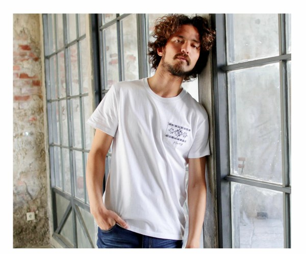 Tシャツ メンズ「Flowing」S柄 ホワイト