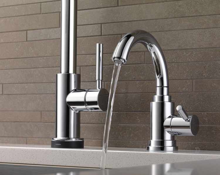 how to choose your kitchen sink faucet