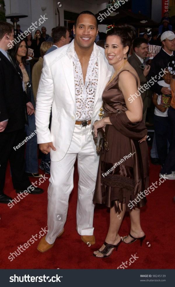 Actor Dwayne Johnson Aka Rock Wife Stock Photo 98245139 ...