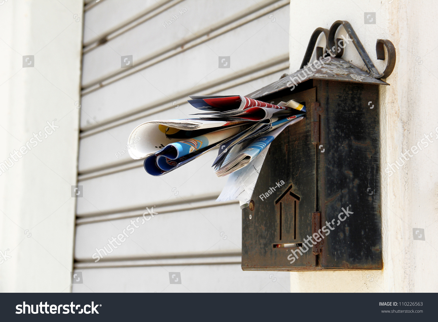 Old Overloaded Rusty Mailbox Waiting Someone Stock Photo