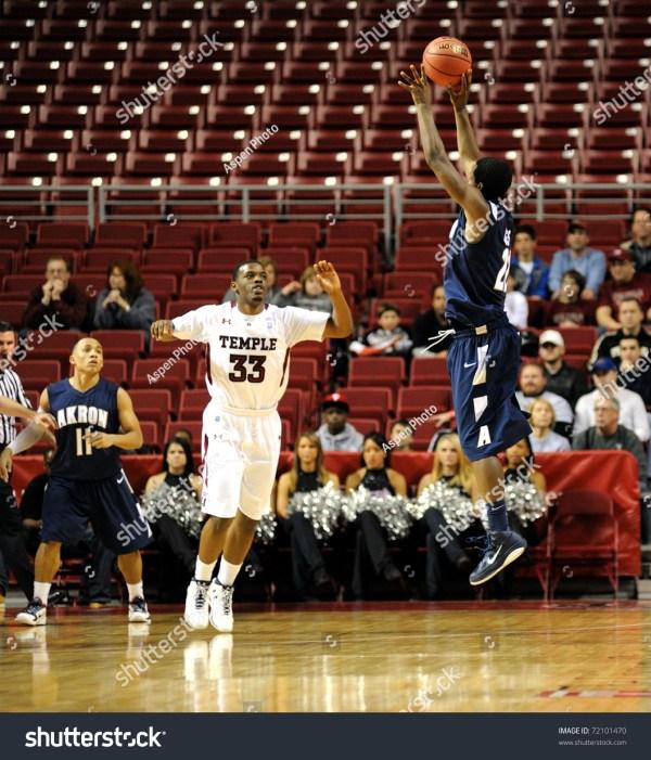 Philadelphia - December 12: Akron University Basketball ...