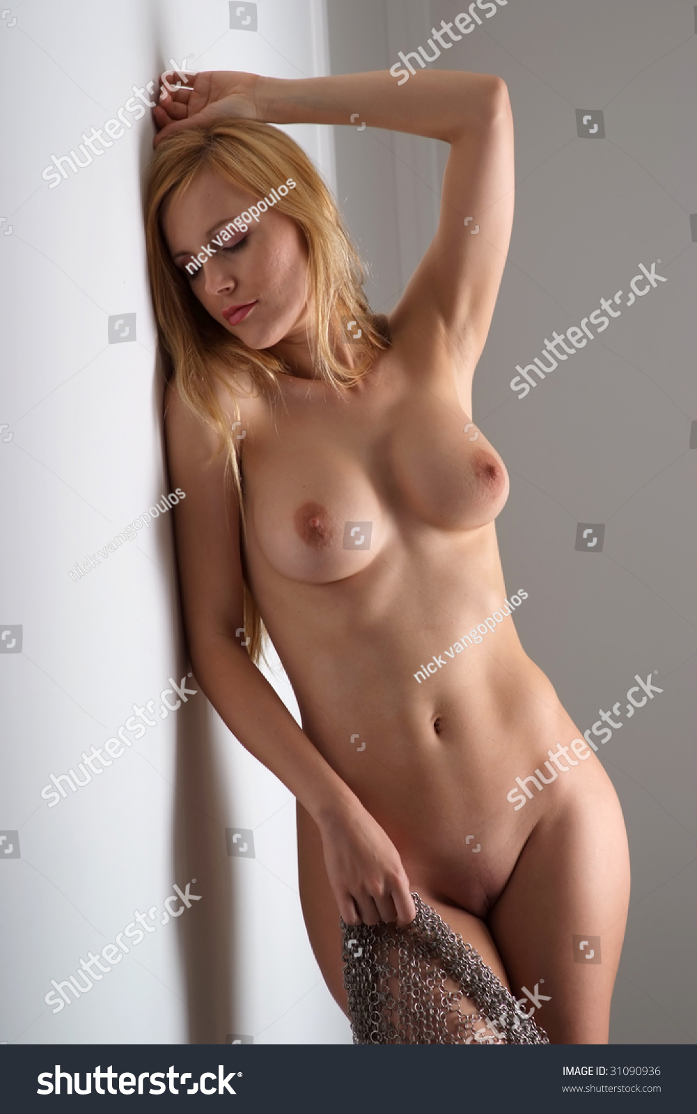 Erotic nude asian babes