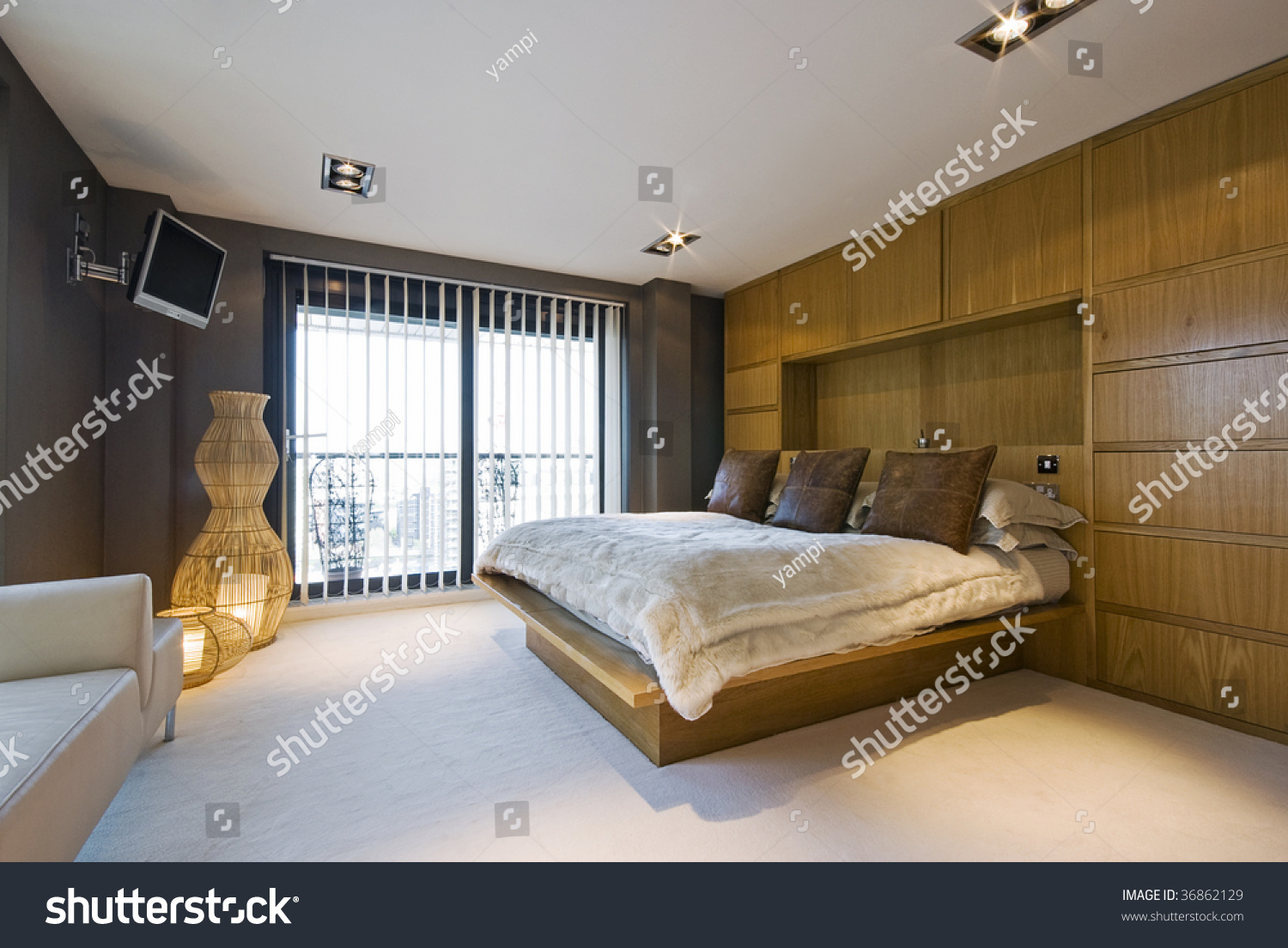 Stunning Luxury Bedroom With A King Size Bed Wall Mount