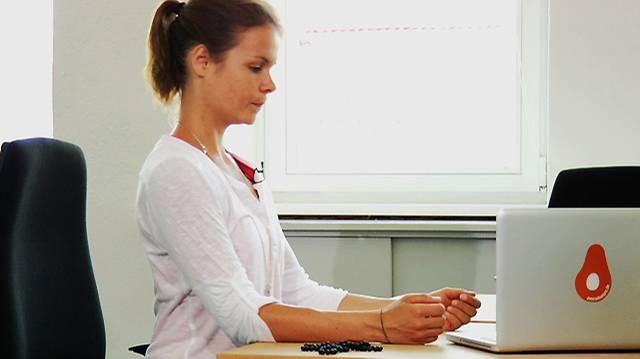Die kleine Yogapause: So leicht geht Sport am Schreibtisch