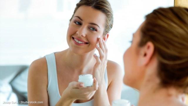 Hautpflege: Länger jung aussehen: Diese Tipps helfen gegen trockene Haut